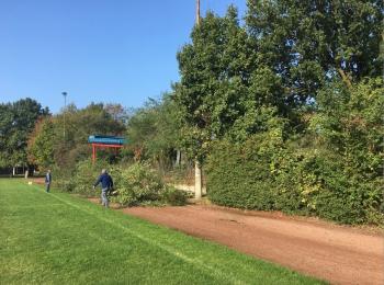 Arbeitseinsatz auf dem Sportplatz